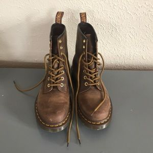 Dr. Martens 1460 brown leather boots US size 7